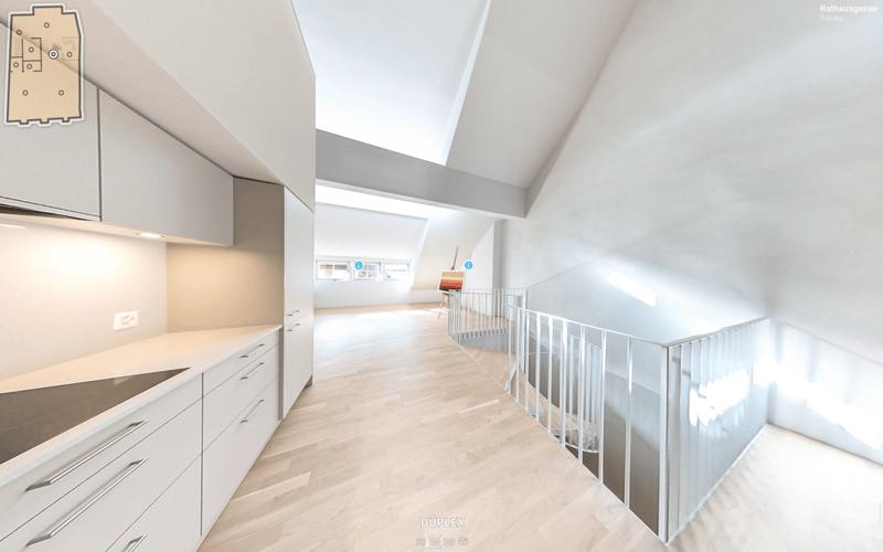 Küche und Wendeltreppe