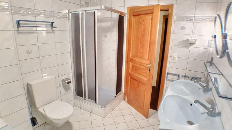Salle de bain 1 - 1er niveau