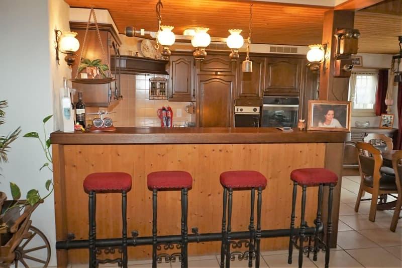 Küche Wohnhaus mit Bar