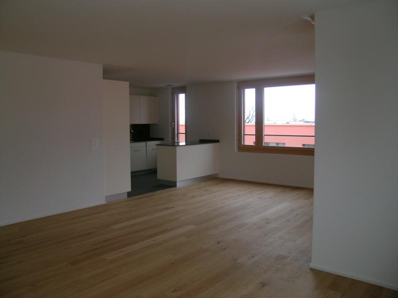 Miete: Wohnung mit sonnigem Balkon