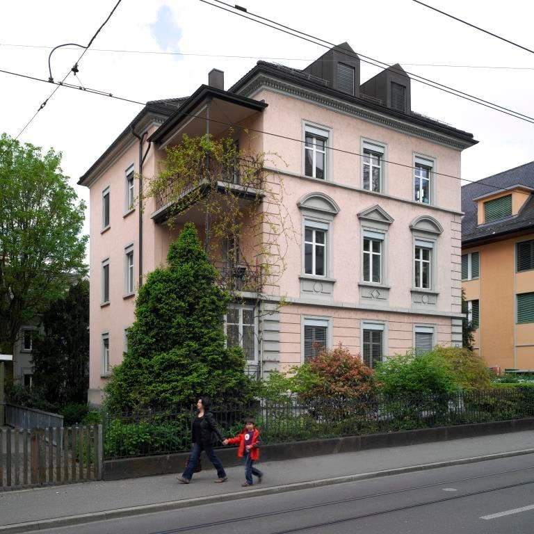 3.5 Zimmer Altbauwohnung an zentraler Lage