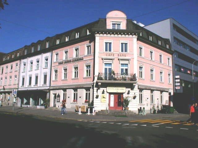 Bahnhofstrasse 57