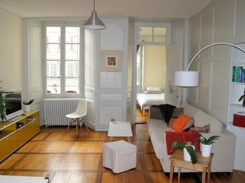 Rue Louis-de-Savoie 41