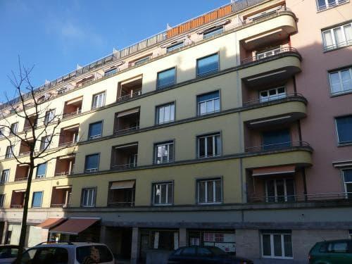 Rue Ecole-de-Commerce 1