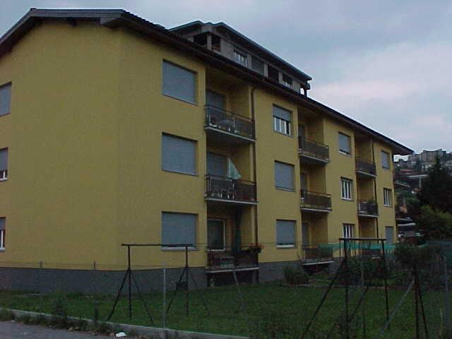 via Comacini 5