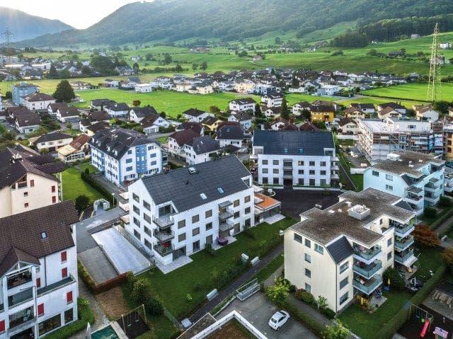 Ausserdorfweg 6 und 8