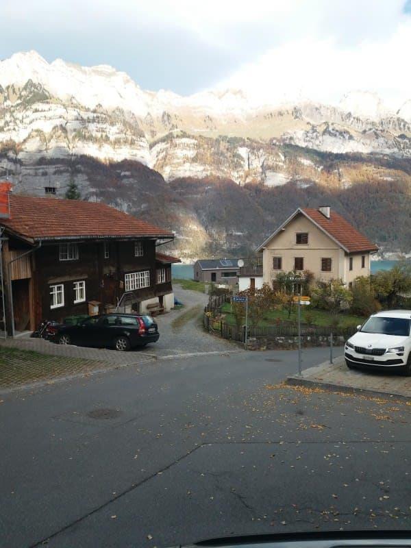 Dorfstrasse 8