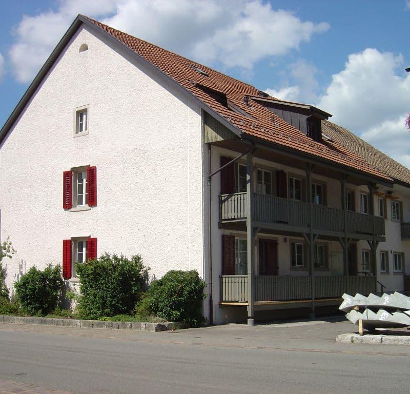 Dorfstrasse 32