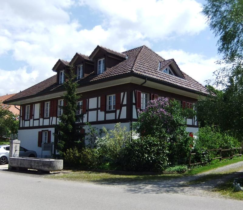 Schulstrasse 12