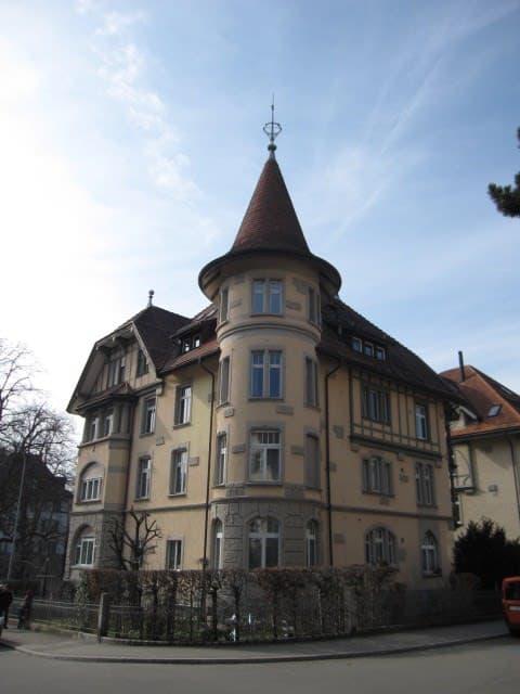 Hebelstrasse 8