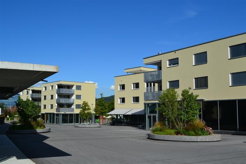 Dorfplatz 8