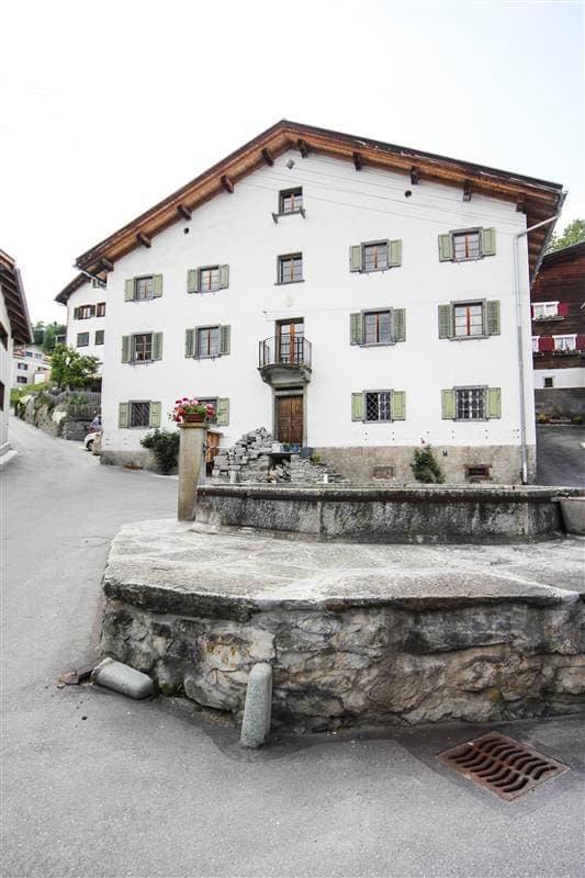 Dorfplatz 77