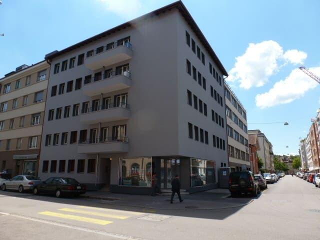 Hochstrasse 64