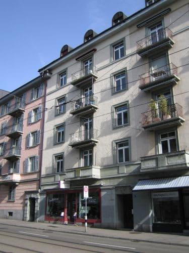 Schöne Altbauwohnung am Kreuzplatz