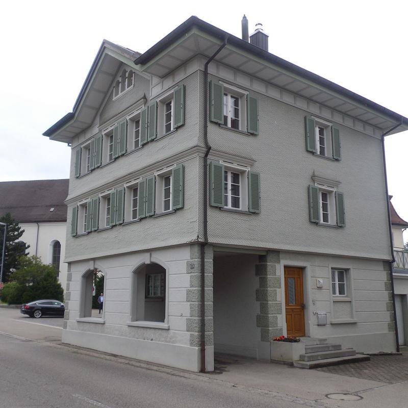Husenstrasse 9
