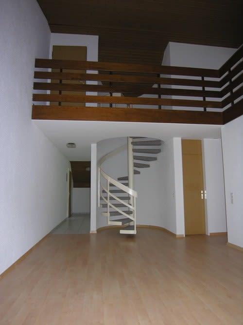 Miete: Maisonette-Wohnung mit Galerie und Balkon