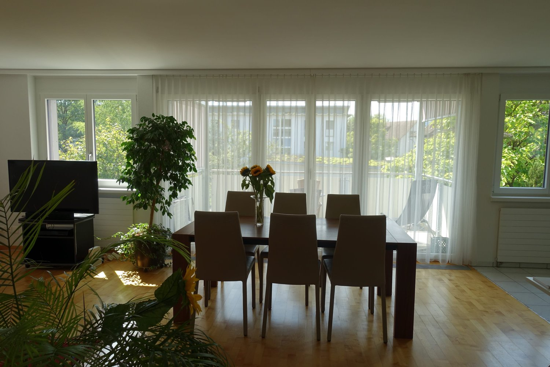Miete: ruhig gelegene Wohnung mit sonnigem Balkon