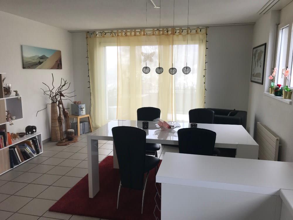 Miete: helle Maisonette-Wohnung mit Balkon