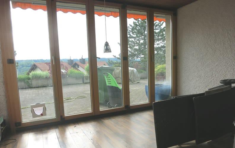 Miete: Attikawohnung mit grosszügiger Terrasse