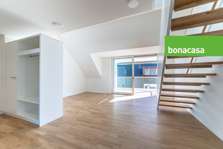 Miete: komfortable Neubauwohnung auf zwei Etagen
