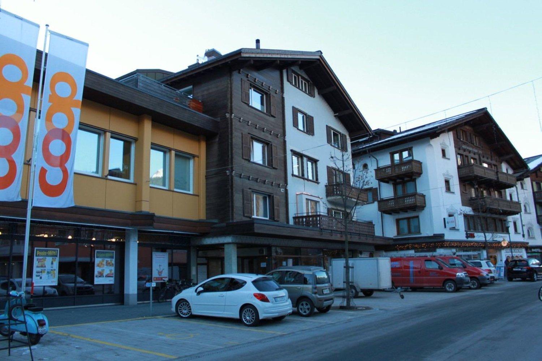 Bahnhofstrasse 8
