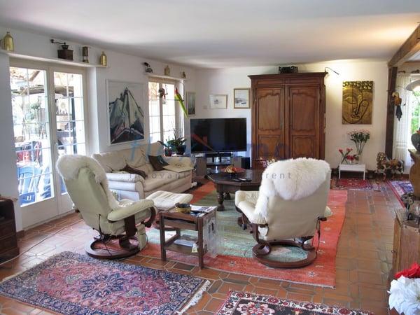 Magnifique villa individuelle grand espace atelier bureau au sous