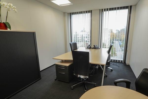 Votre bureau privé pour 3 à 4 personnes à genève tour balexert