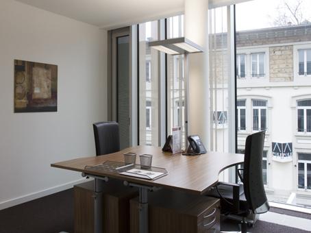 Votre bureau privé pour 1 à 2 personnes à lausanne city flon