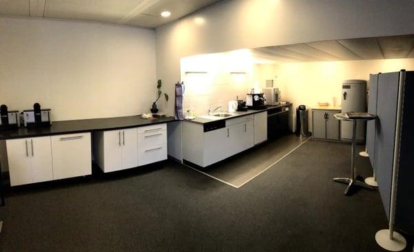 Vaud bureaux de m avec terrasse accessible autoroute métro