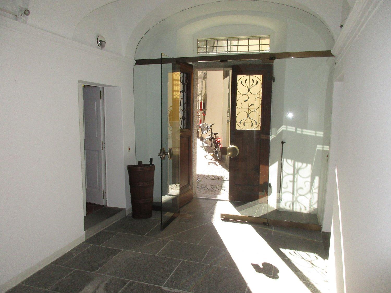 Piazza San Pietro 9