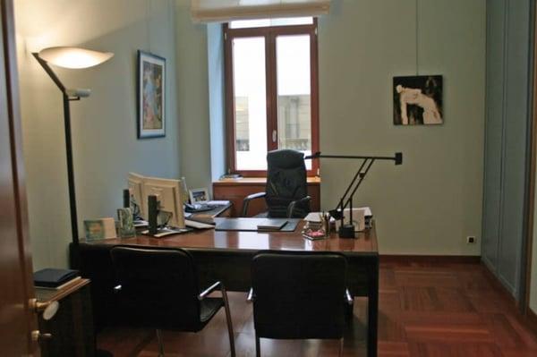 Ufficio Di Lusso : Nel cuore di lugano ampio ufficio di lusso con posti auto