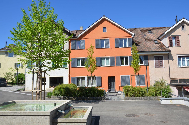 Kirchplatz 8