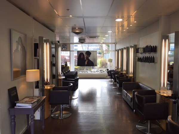 Superbe salon de coiffure sous-gare, Lausanne | Coiffeursalon mieten ...