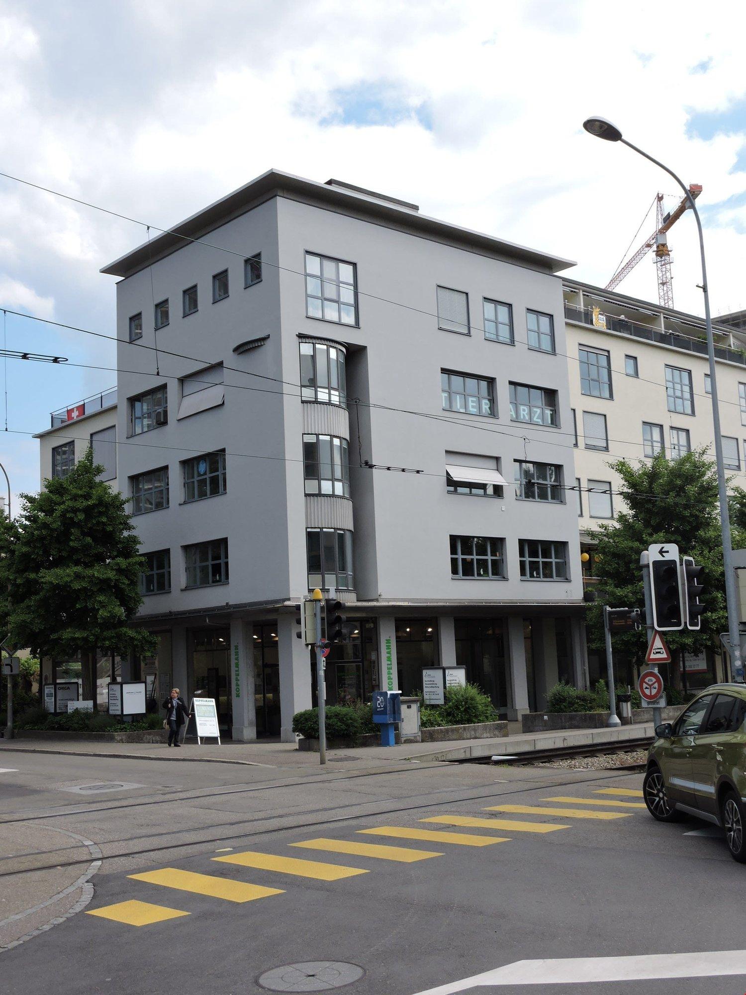 Bahnhofstrasse 11