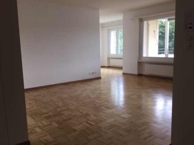 Schmittenackerstrasse 9