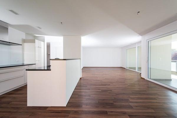 Neuwertige sehr groszügige Wohnung, Wohnen/Essen/Küche 50m2, Muhen ...