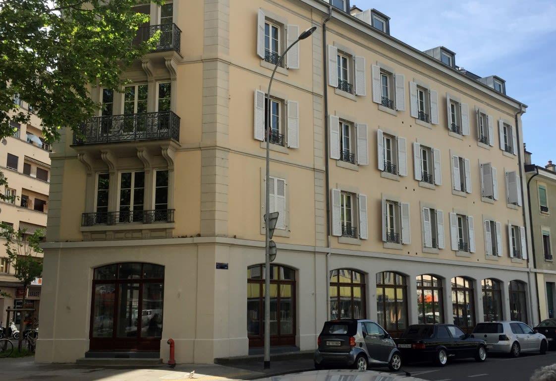 Rue Caroline 8