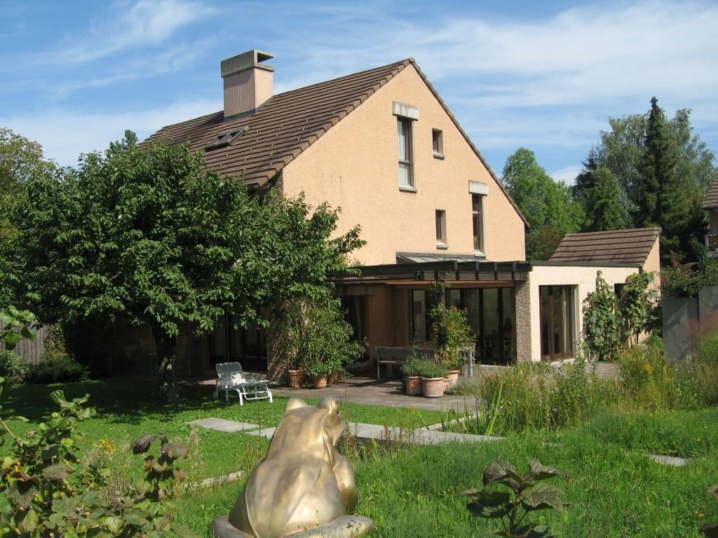 Miete: infamilienhaus mit attraktivem Garten