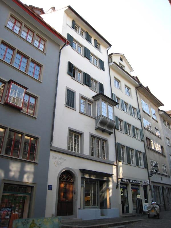 Stilvoll Wohnen mitten im Zürcher Niederdorf