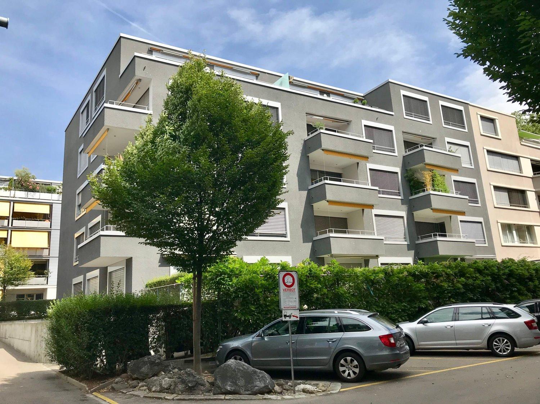 Erstklassige Wohnung im Seefeld!