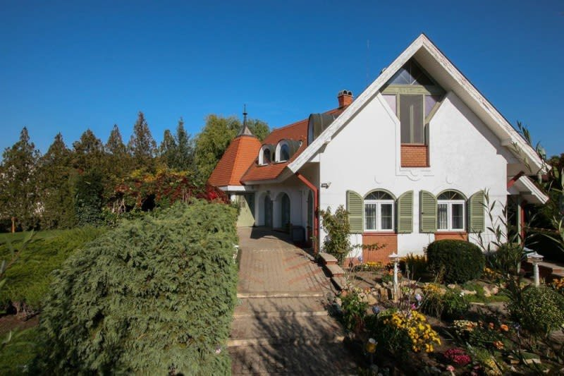 4 5 pieces maison individuelle 6210 kiskunmajsa acheter for Acheter un garage pour louer