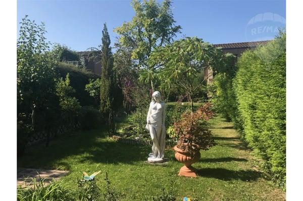 Maison jumelée avec jardin et garage, proche de la nature et du lac ...