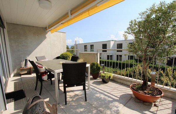 Bel appartement contemporain de pièces situé à pully sud