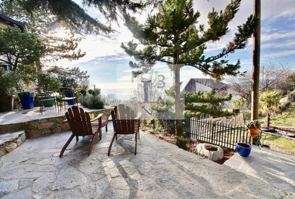 Loft en rez-de-jardin avec vue sur le lac + studio indépendant