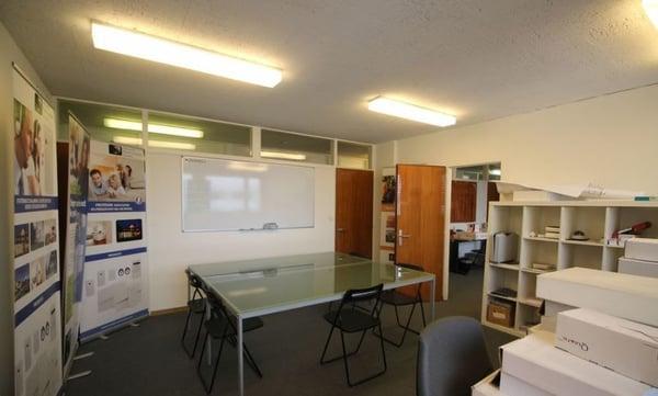 Atelier bureau de 91 m2 en zone artisanale pav carouge ge