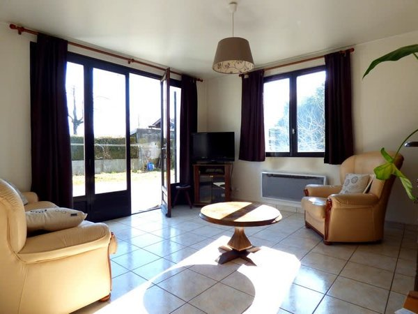 Dpt Haute Savoie (74), à vendre - POISY- appartement T3 -Rez-de-jardin
