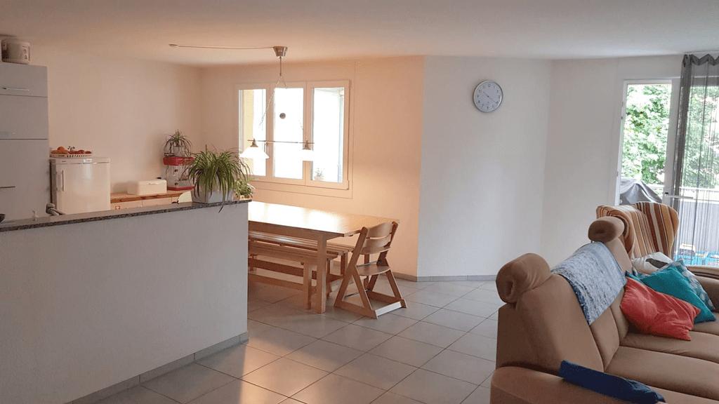 Miete: grosszügige Wohnung an ruhiger Lage