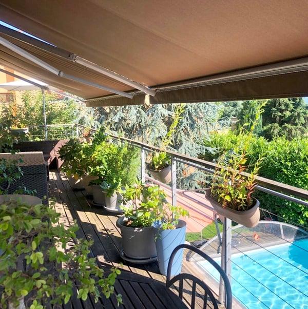Exceptionnelle maison de 200 m2 avec piscine et vue sur le ...