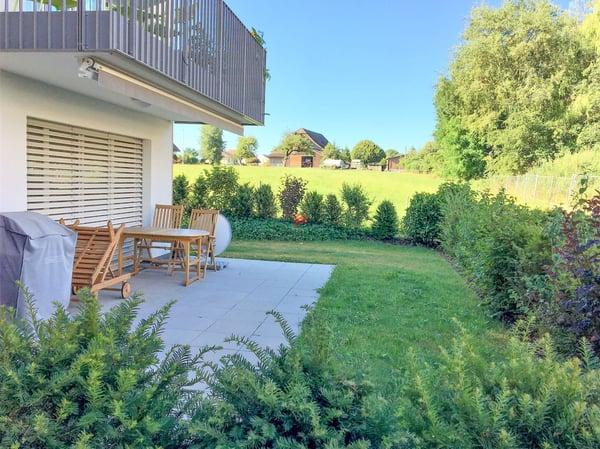 Appartement moderne de plain-pied avec terrasse et jardin privatif