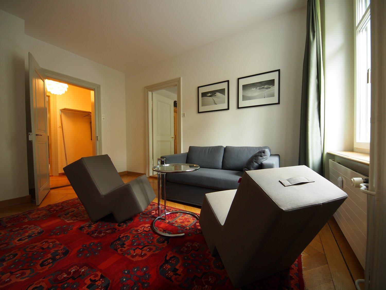 Miete: helle möblierte Wohnung